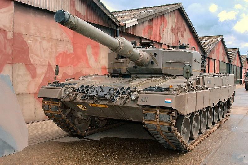 Leopard 2A4 4