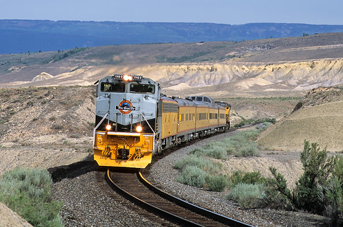 unionpacific up 1989 riograndeheritage heritage passengertrain ols operationlifesaver payne colorado train upnorthforksubdivision emd sd70ace co