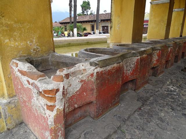 Antigua Tanque  La Union Guatemala 03