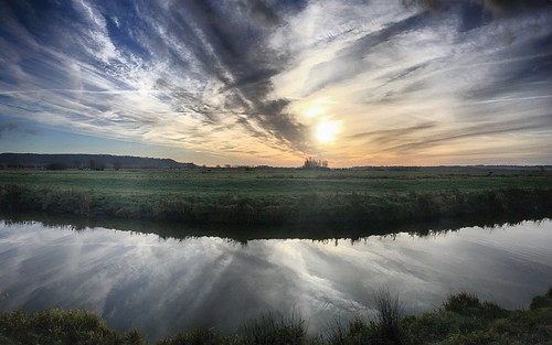 allermoor sowyriver somerset levelsandmoors slm landscape river channel water reflection cloud morning