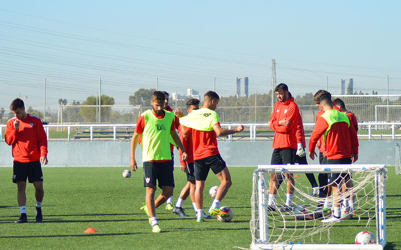 Sevilla's first-team in action during a training session