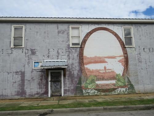 metalsiding architecture mural frogs smalltown rayne louisiana