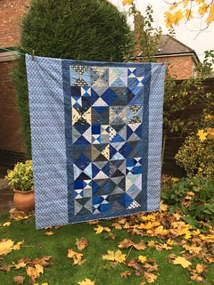 ST Bee 2. This is the third and final hourglass quilt from an amazing number dent to me by my generous Bee members.