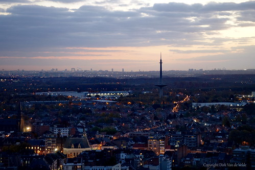 europa europ europe belgie belgium belgica belgique buiten antwerpen antwerp anvers mechelen malines malinas sintromboutstoren sony sintromboutskathedraal skywalk avond