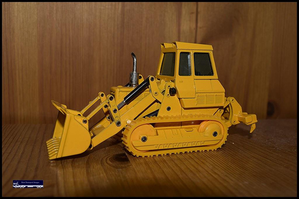 Cat 955 Traxcavator By JOAL 1990s | Big Boys Toys 10