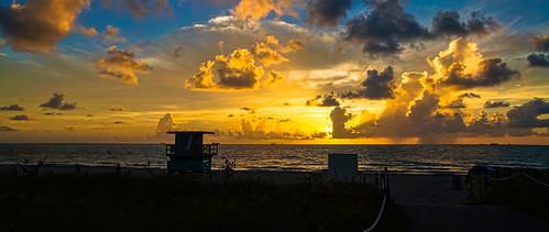 dawning southbeach sobe seashore seascape earlyinthemorning sunrise walking walkingaround waterways beach beachscape urbanexploration unitedstates colors skies miamifl miamibeach