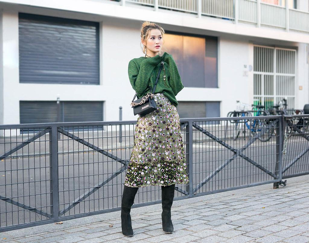 b8b5fa2da Sequined skirt + Sweater combo   Yay Miu   Flickr