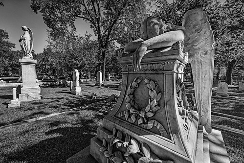 angel angelofgrief bw blackwhite blackandwhite burialground cemetery glenwood glenwoodcemetery grave gravestone graveyard grief memorial monochrome monument sculpture sorrow statue tombstone weeping houston texas unitedstates us