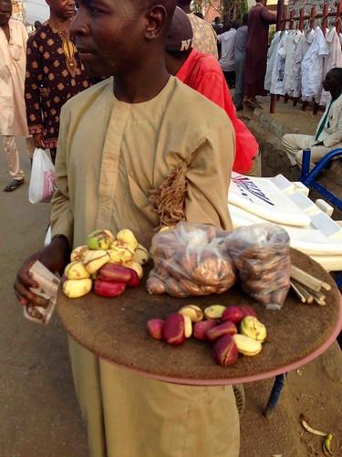 hausaman kolanut bittercola chewingstick dutsealhaji nigeria streethawking culture photography photojournalism