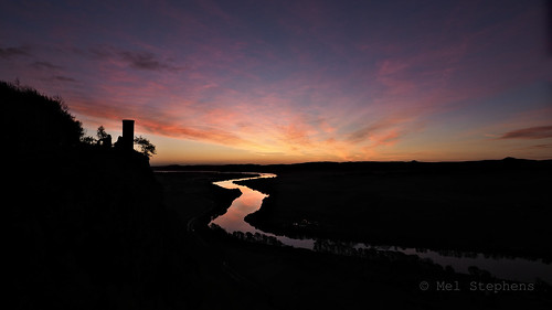 widescreen sunrise river tay viewpoint kinnoull perth scotland uk 20171119 201711 2017 q4 olympus omd em1ii ii m43 microfourthirds mirrorless mzuiko 714mm pro night nighttime water mft november wide