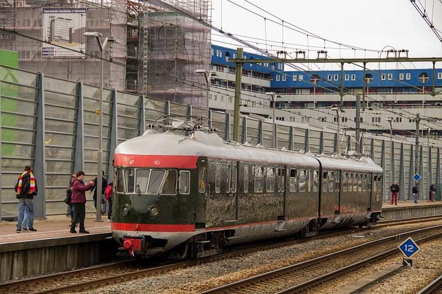 NS (Mat '46) trein 273, Rotterdam Centraal