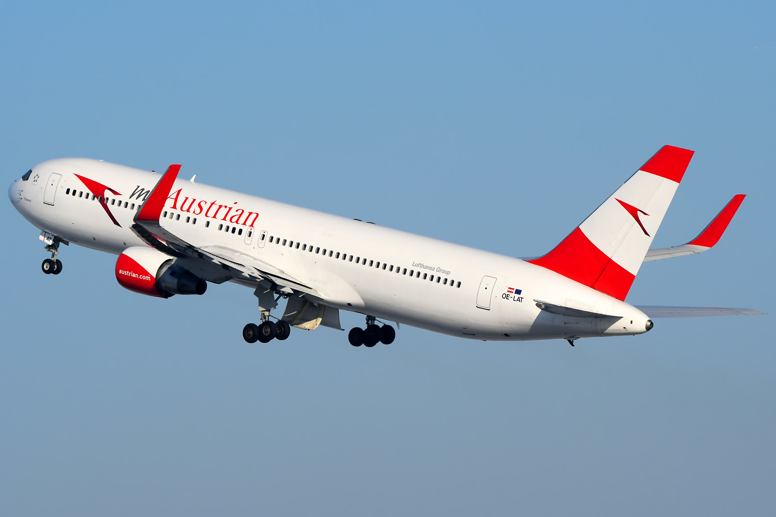 Austrian Airlines Boeing 767-300ER OE-LAT
