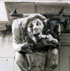 Food Gargoyles - Laughing Jester Sidewalk Level 2849