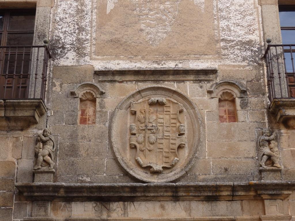 Carving on the Palacio de Hernando de Ovando