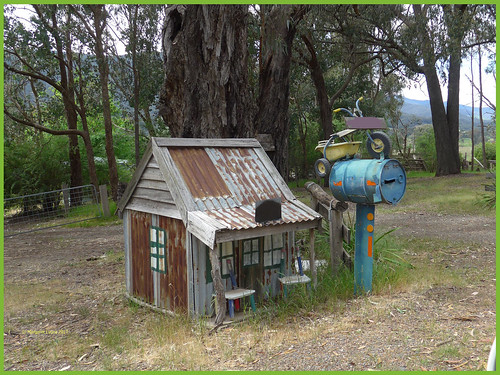 victoria australia swanpooltoeildon roadside letterbox mailbox