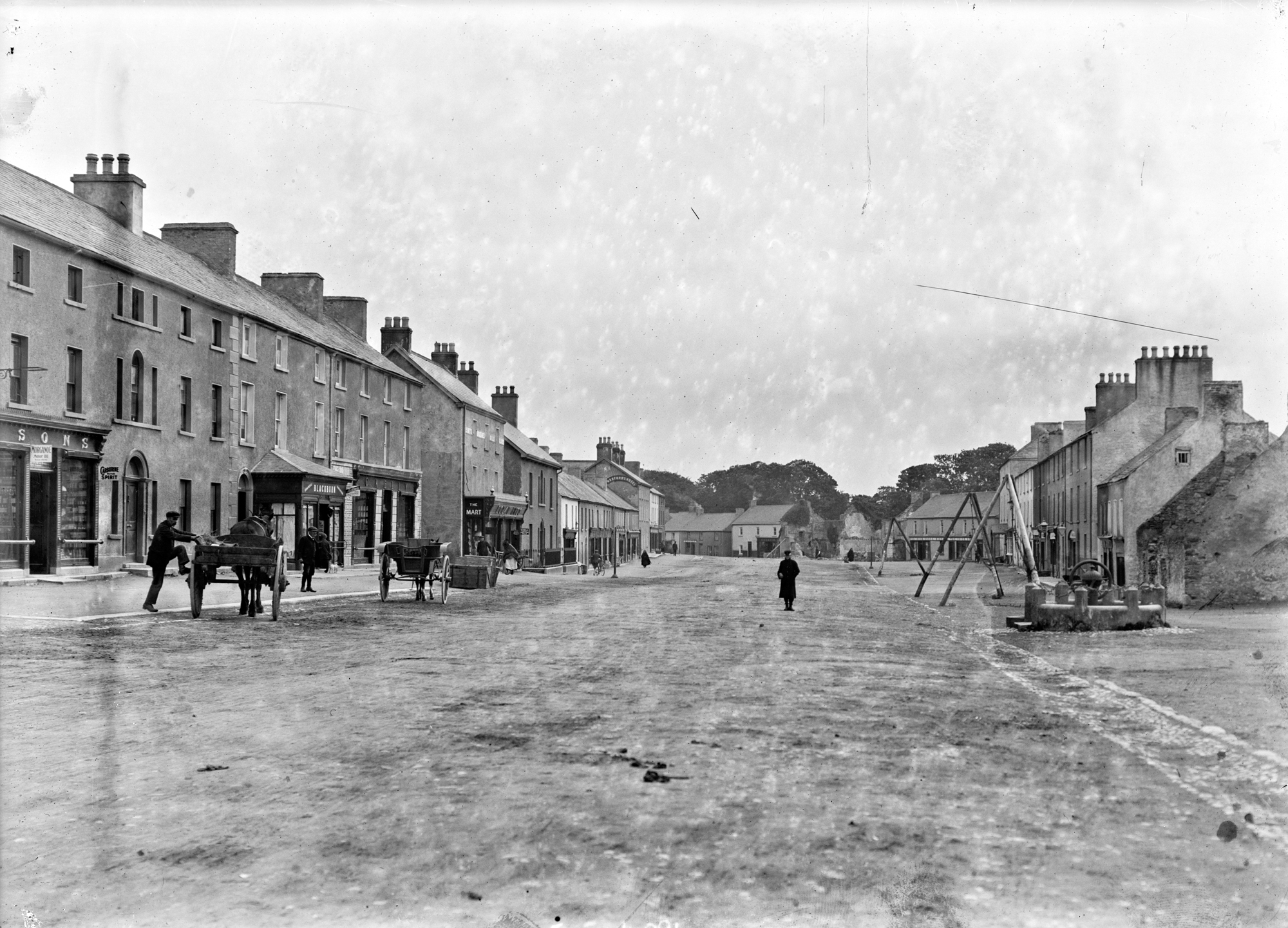 Meet Moate's Main Street - from the west!