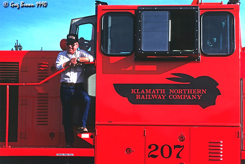 klamathnorthernrailway knor klamathcounty cascaderange centraloregon oregon shortlinerailroad railroads trains timberindustry ge generalelectric