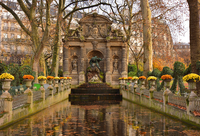 Paris / Jardin du Luxembourg / Fontaine Médicis