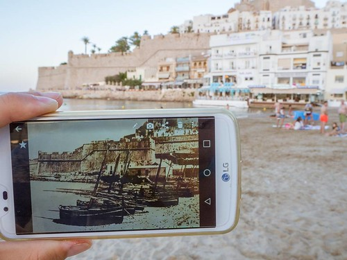 Past and present in Peñíscola. #pastandpresent #peñiscola #peñiscola #castellón #olympusomd10markii #Olympus #summer2017 #travelphoto #photography #beach #playanorte #costadelazahar #castillo #castle | by treboada
