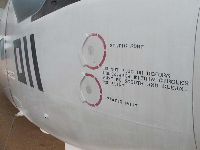 Grumman E-1B Tracer 6