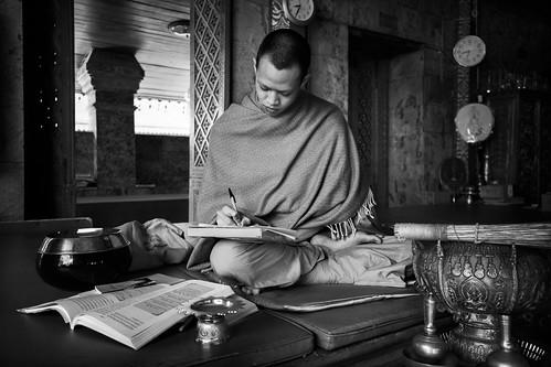 tailandia thailand thailandia temple buddhist buddhism buddha religion monk bnw bw asia alfons alfonstr canon chiang mai chiangmai