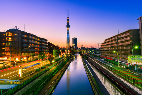 japan tokyo skytree sunset tone lighting reflection cityscape buildings river outdoors scenery 日本 東京 晴空塔 倒影 夕陽 色調 暮色 黃昏 墨田區 十間橋