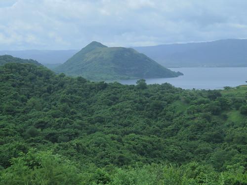 filippinene philippines taal taalvolcano binintiangmalaki