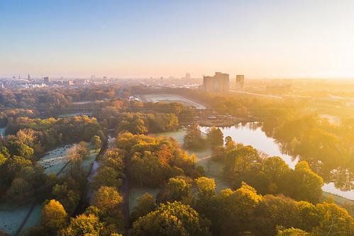 groningen nederland nl stadspark landschap park landscape city cityscape stad stadsgezicht gasunie zonsopkomst zonsopgang ochtend morning sunrise dutch holland sun zon aerial luchtfoto luchtfotografie drone dji dronefotografie dronephotography