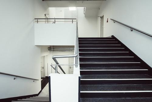schody, ostatnie piętro, po remoncie