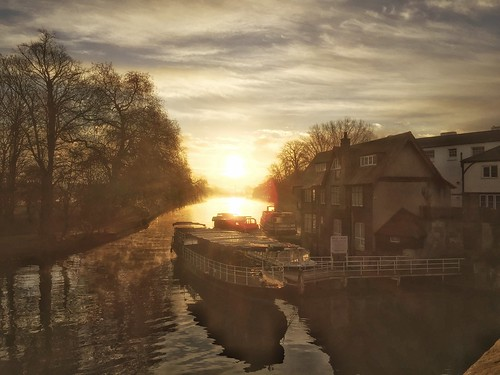 oxfordshire england englishcountryside iphone6 sunrise morning snapseed water sky sun