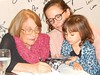10- Vida Alves com a neta Tiê e a bisneta Liz