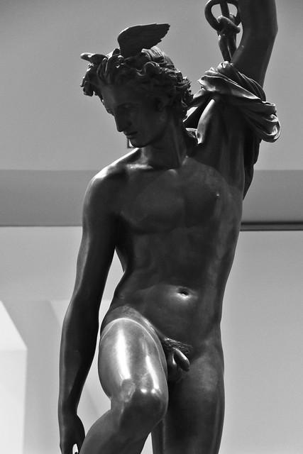 Mercure, après avoir tranché la tête d'Argus, remets ses talonnières pour remonter dans l'Olympe (1934) # 1