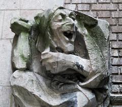 Food Gargoyles - Laughing Jester Sidewalk Level 7514b