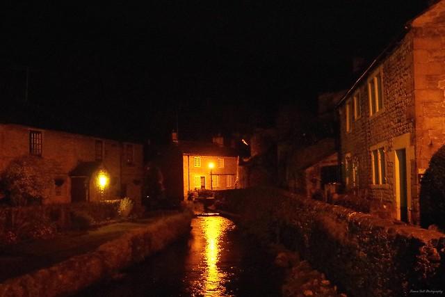 castleton derbyshire 2017 christmas lights switch on river at night  (1)