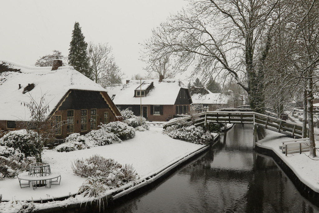 Giethoorn Winter Winter In Giethoorn Snowflakeds On The L Hank