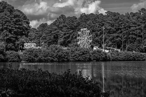cary summer trees lake water sky clouds ferris wheel festival park black white bw northcarolina