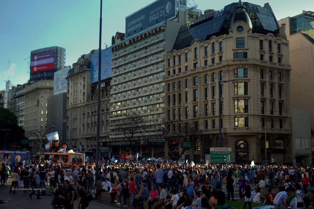 Manifestación y Ventanas.
