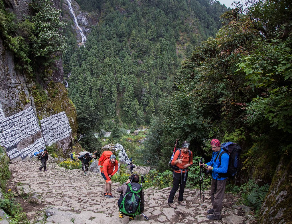 Trail to Namche 14