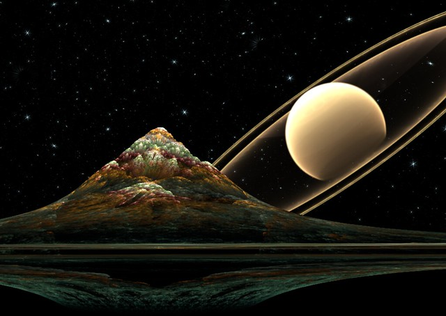 Saturn rising (fractal)