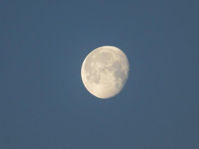 Kuu - Moon