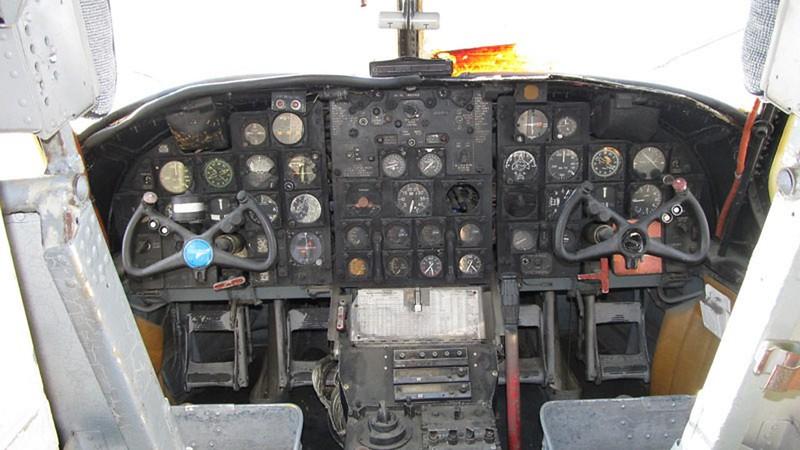 Grumman C-1A Trader 6