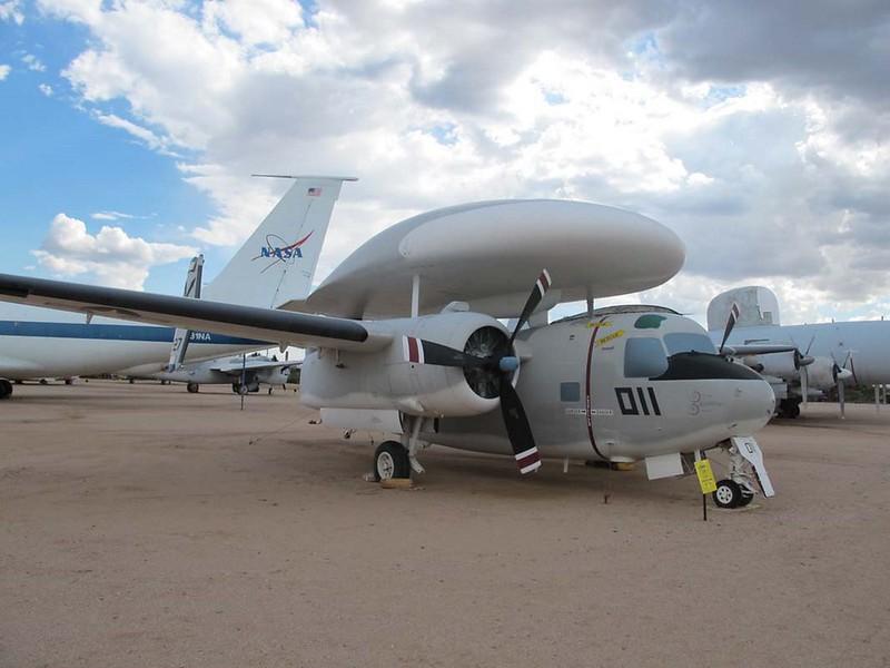 Grumman E-1B Tracer 1
