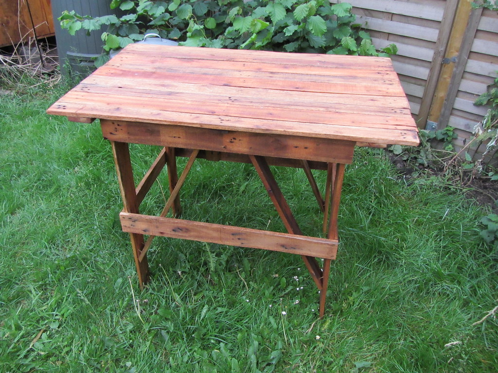 Pallet Camping Table