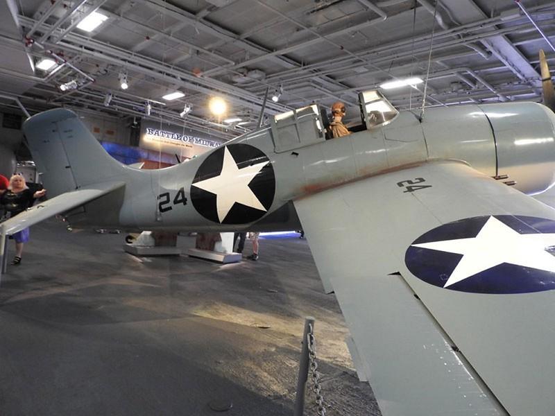 Grumman F4F-3 Wildcat 3