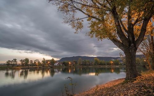 sunrise lakes lakezajarki jezerozajarki jezera vladoferencic zaprešić vladimirferencic nikond600 sigma12244556 cloudy clouds autumncolours autumnmorning hrvatska croatia