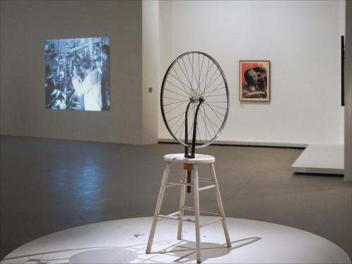 La Roue de bicyclette de Marcel Duchamp (Fondation Louis Vuitton, Paris)