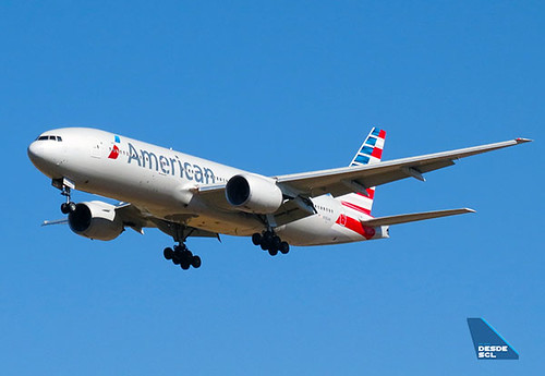 American Airlines B777-200ER app SCL (RD)
