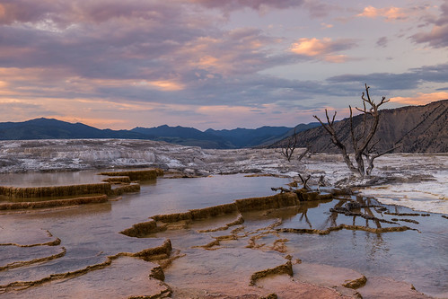 usa wyoming yellowstone yellowstonenationalpark sunset canon landscape water mountains reflection tree clouds mammothhotsprings terraces mainterraces