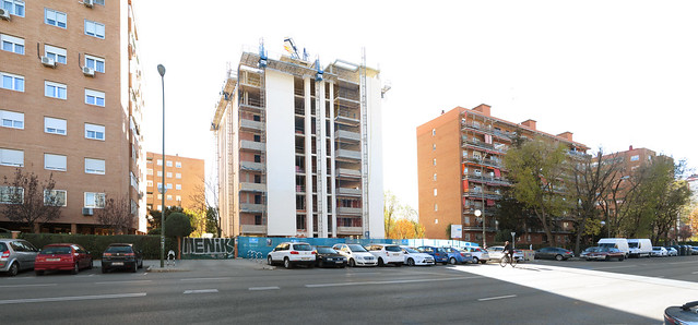 Construction of Apartment building in Aluche, Madrid (2017)