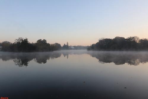 reflection redditch worcestershire lake landscape water sunrise uk greatbritain canon canoneos autumn